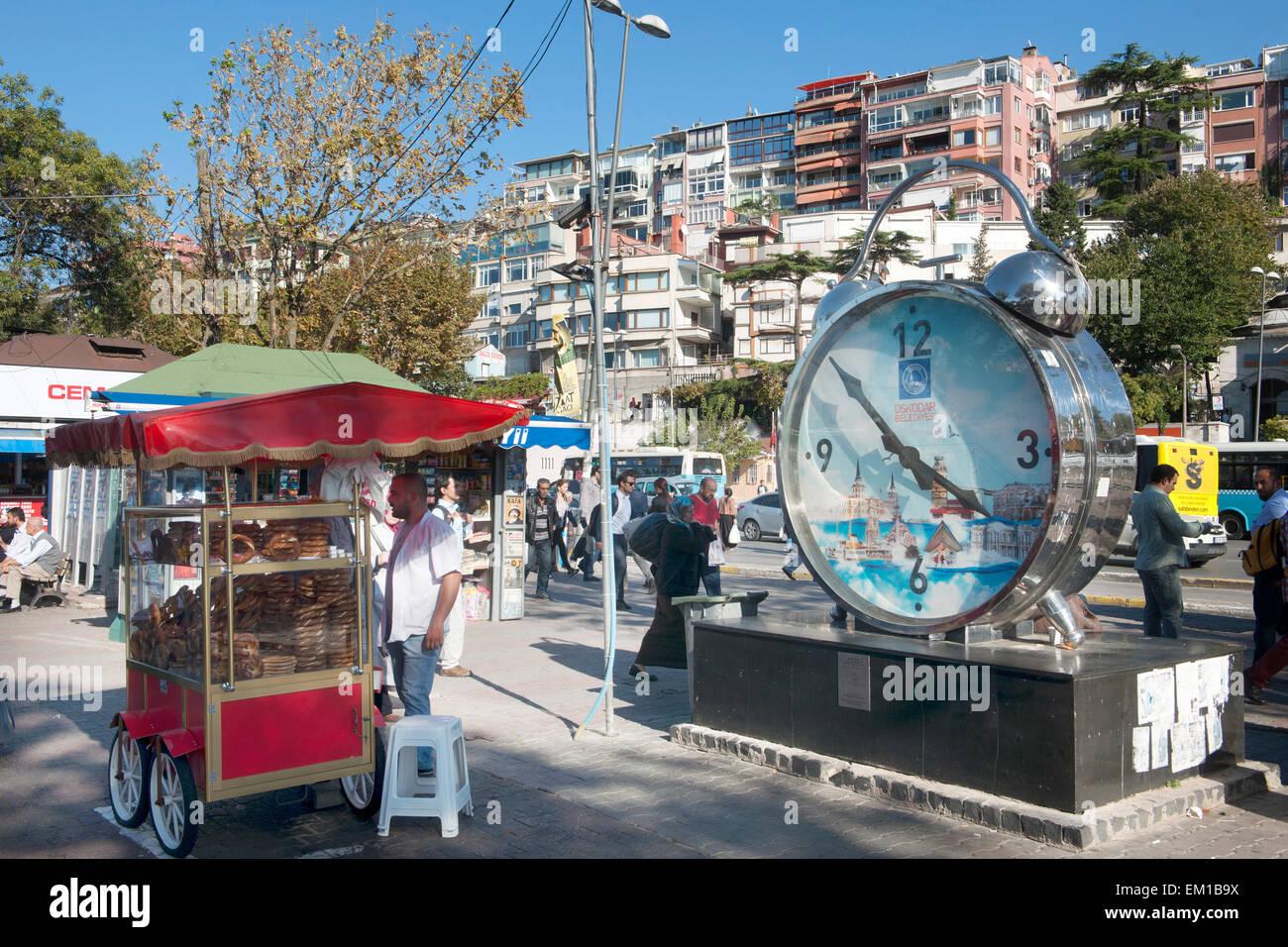 Türkei, Istanbul, Üsküdar, am Fähranleger (Iskele) - Stock Image