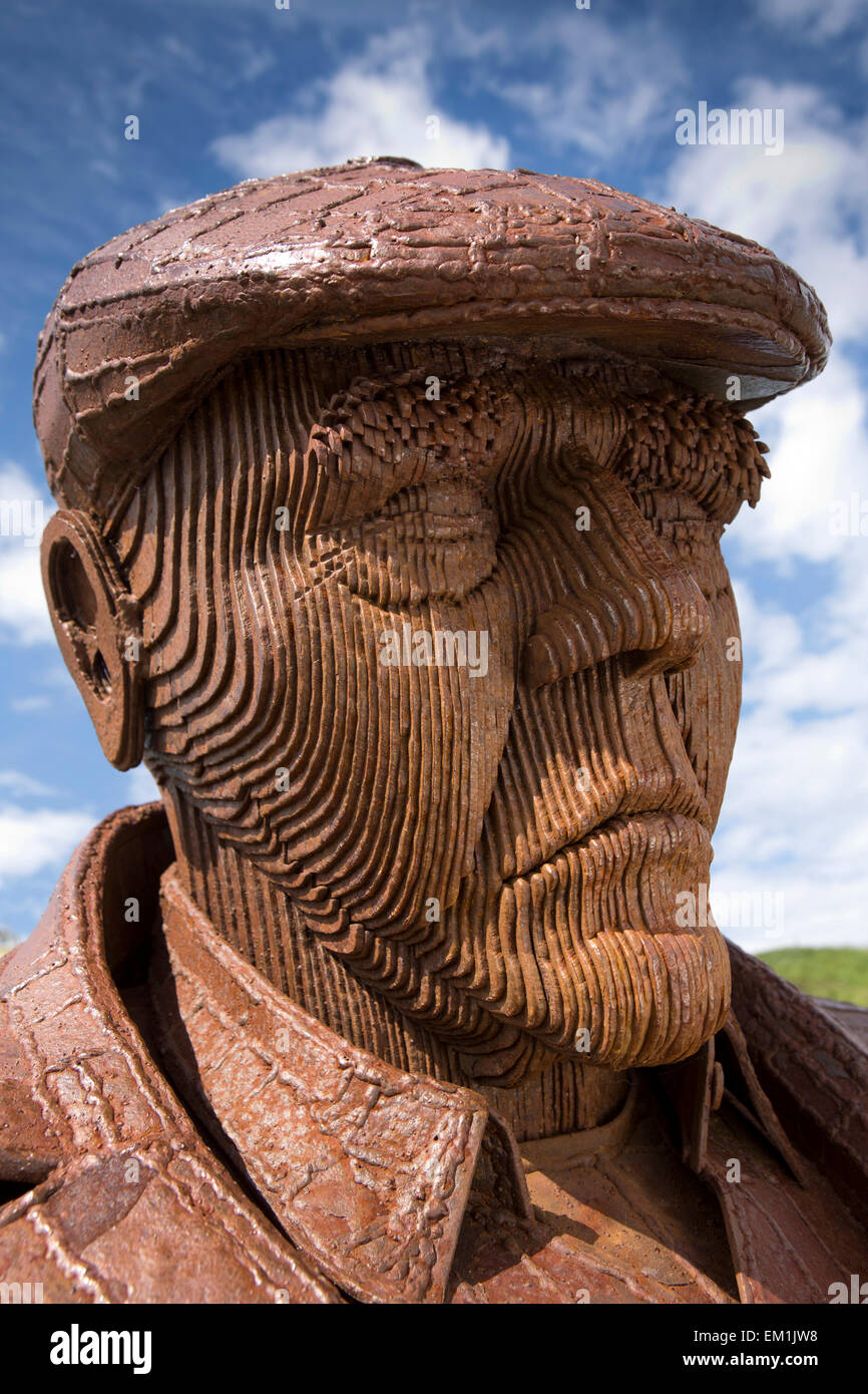 UK, England, Yorkshire, Scarborough, North Sands, Fred Gilroy statue by Ray Lonsdale, face detail - Stock Image