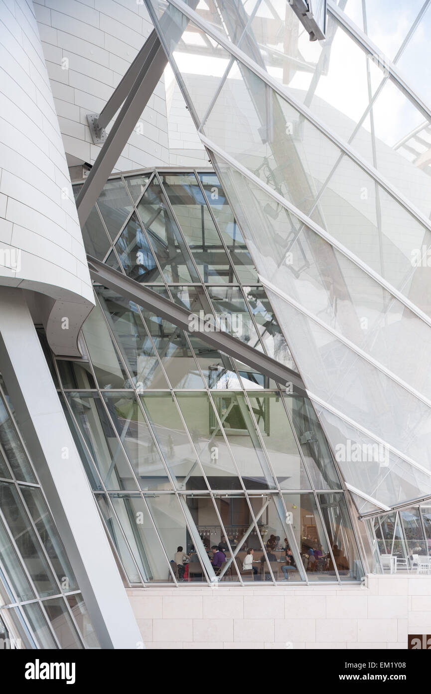 France, Paris, outside view of the restaurant of the Fondation Louis Vuitton Stock Photo