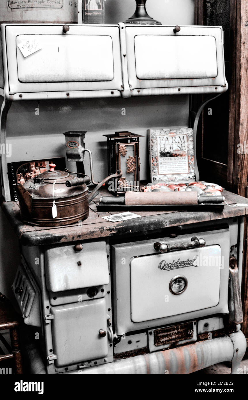 Vintage cooking stove - Stock Image