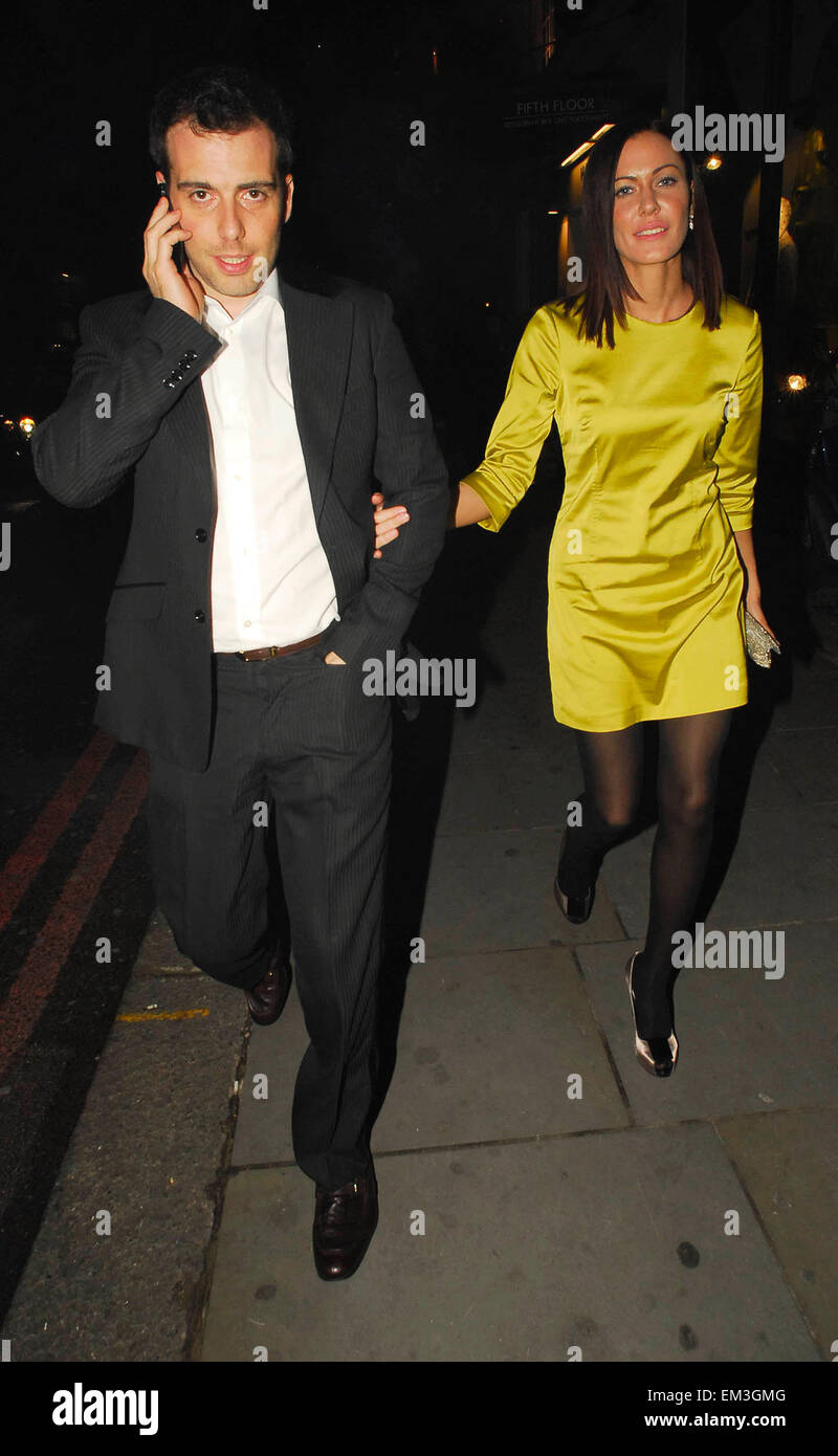09.OCTOBER.2007. LONDON  LINZI STOPPARD LEAVING THE LAUNCH OF THE NEW RESTAURANT THE ROW AT HARVEY NICHOLS STORE - Stock Image