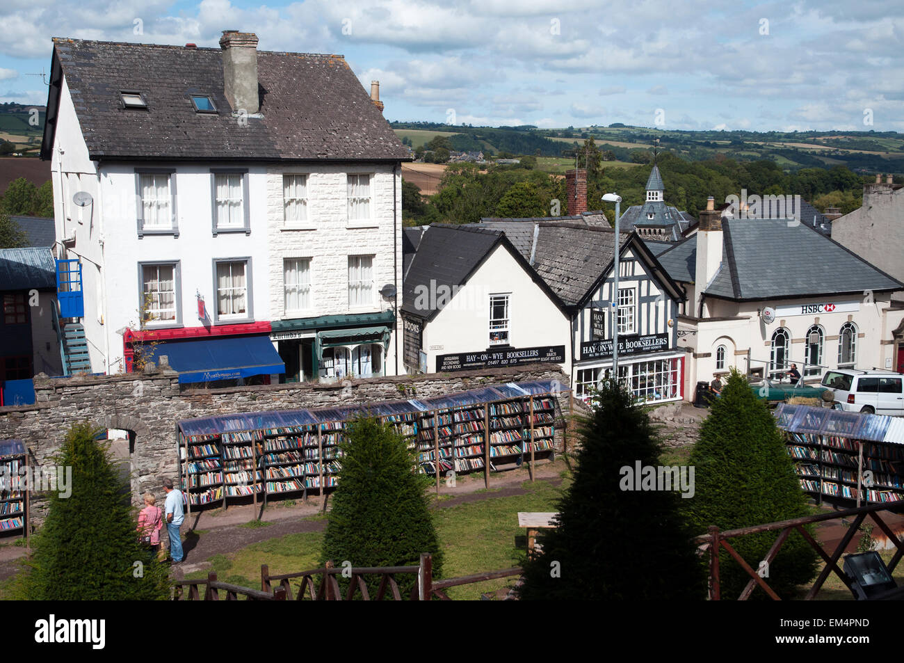 Second hand books in the gardens of  the Castle of Hay-on-Wye, Wales, UK Europe - Stock Image