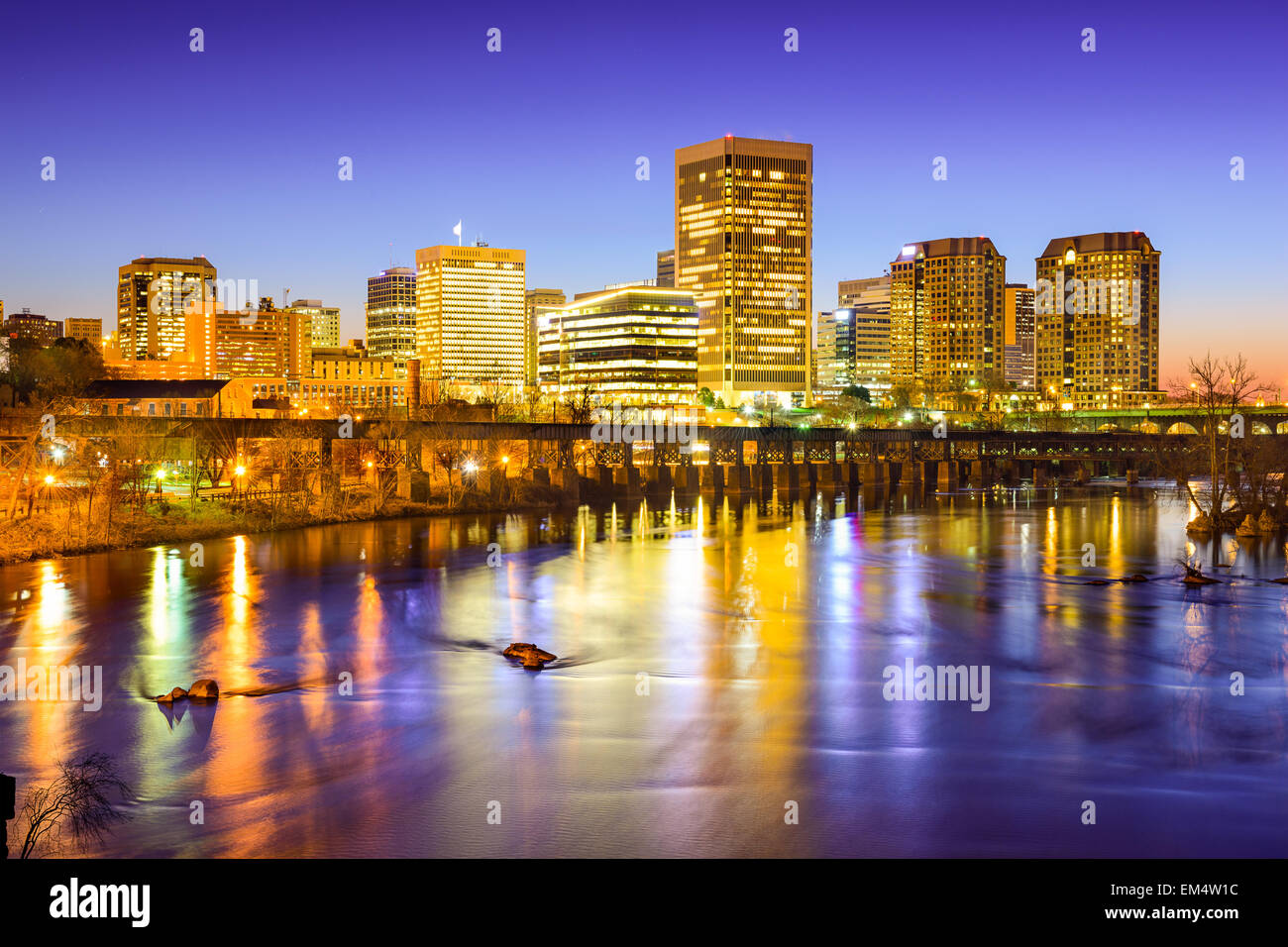Richmond, Virgina, USA downtown skyline on the James River. - Stock Image