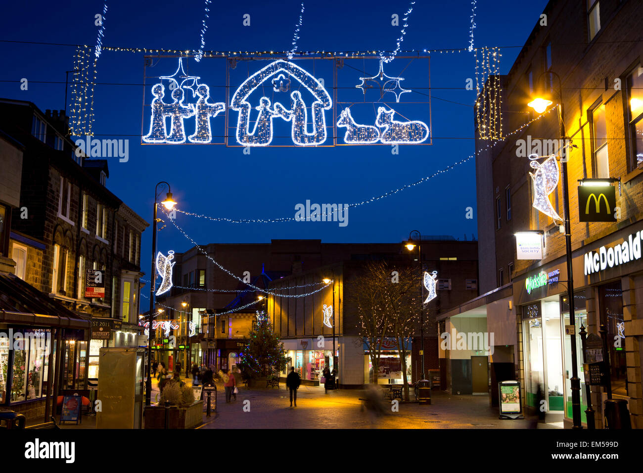 UK, England, Yorkshire, Harrogate at Christmas, Oxford Street illuminations - Stock Image