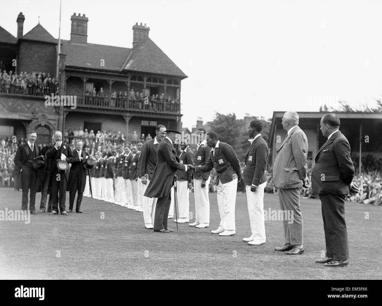 King George V at Nottingham, Jul 1928 greeting L N Constantine the West Indian Cricketer - Stock Image