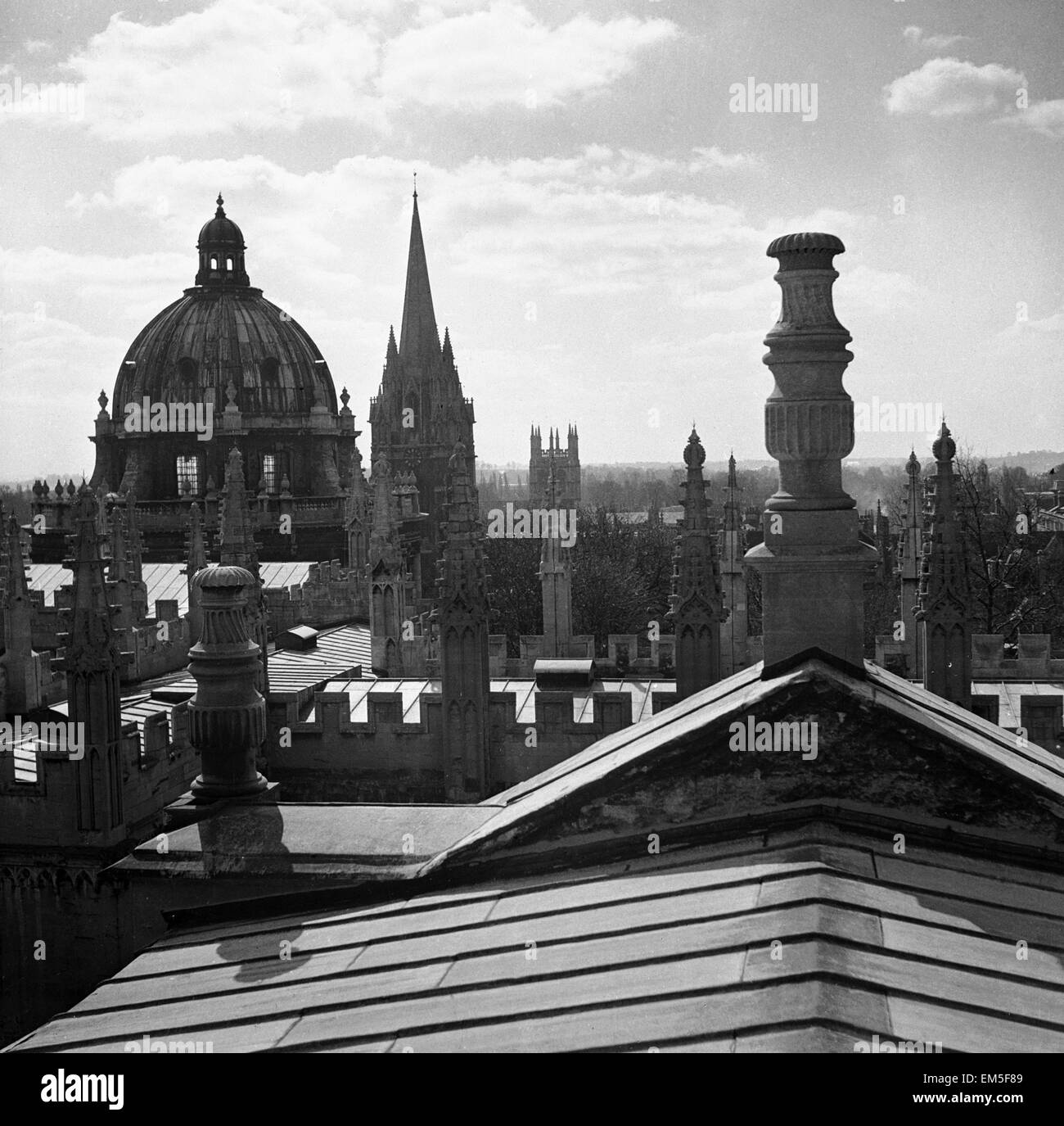 View from the rooftop of Oxford university aerial view acedemic institutions roof Circa 1950 - Stock Image