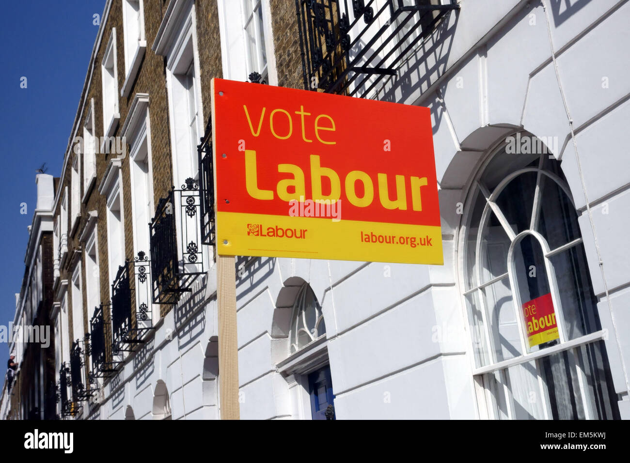 Labour Party sign outside Georgian terraced house in Islington square, London - Stock Image