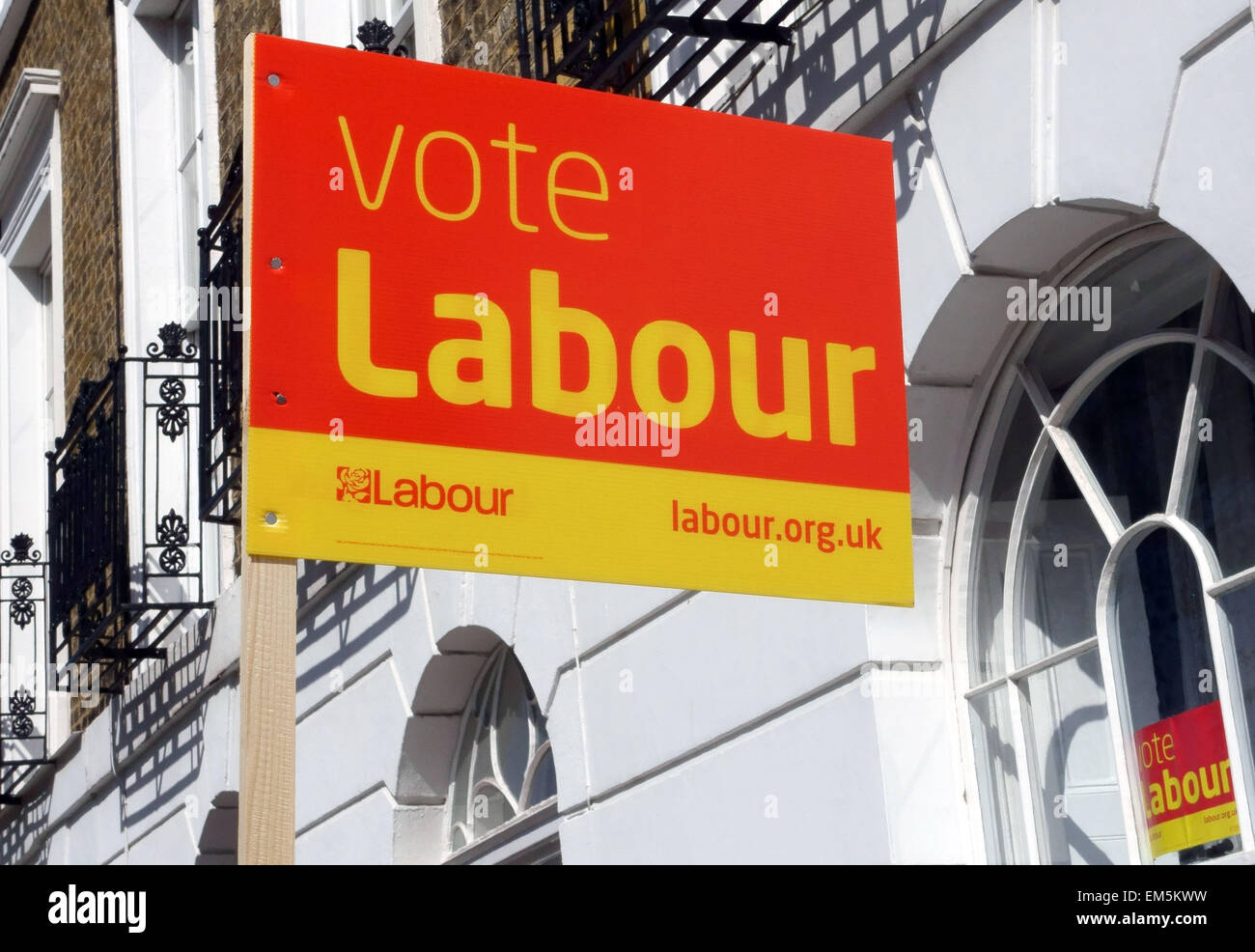 Labour Party sign outside Georgian terraced house in Islington square, London Stock Photo