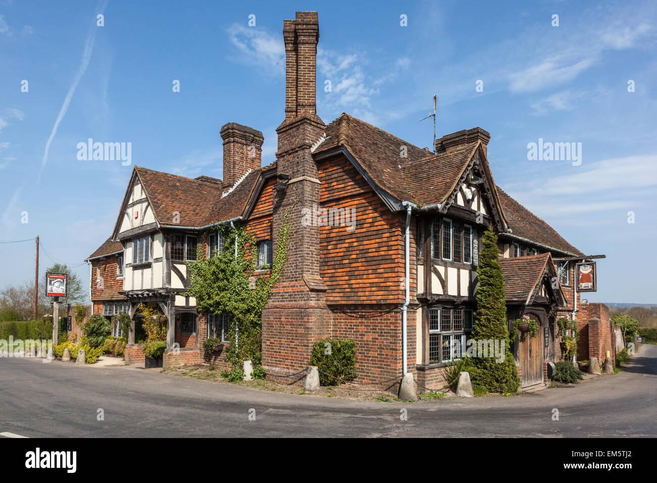 the king henry viii pub in hever kent uk stock photo. Black Bedroom Furniture Sets. Home Design Ideas