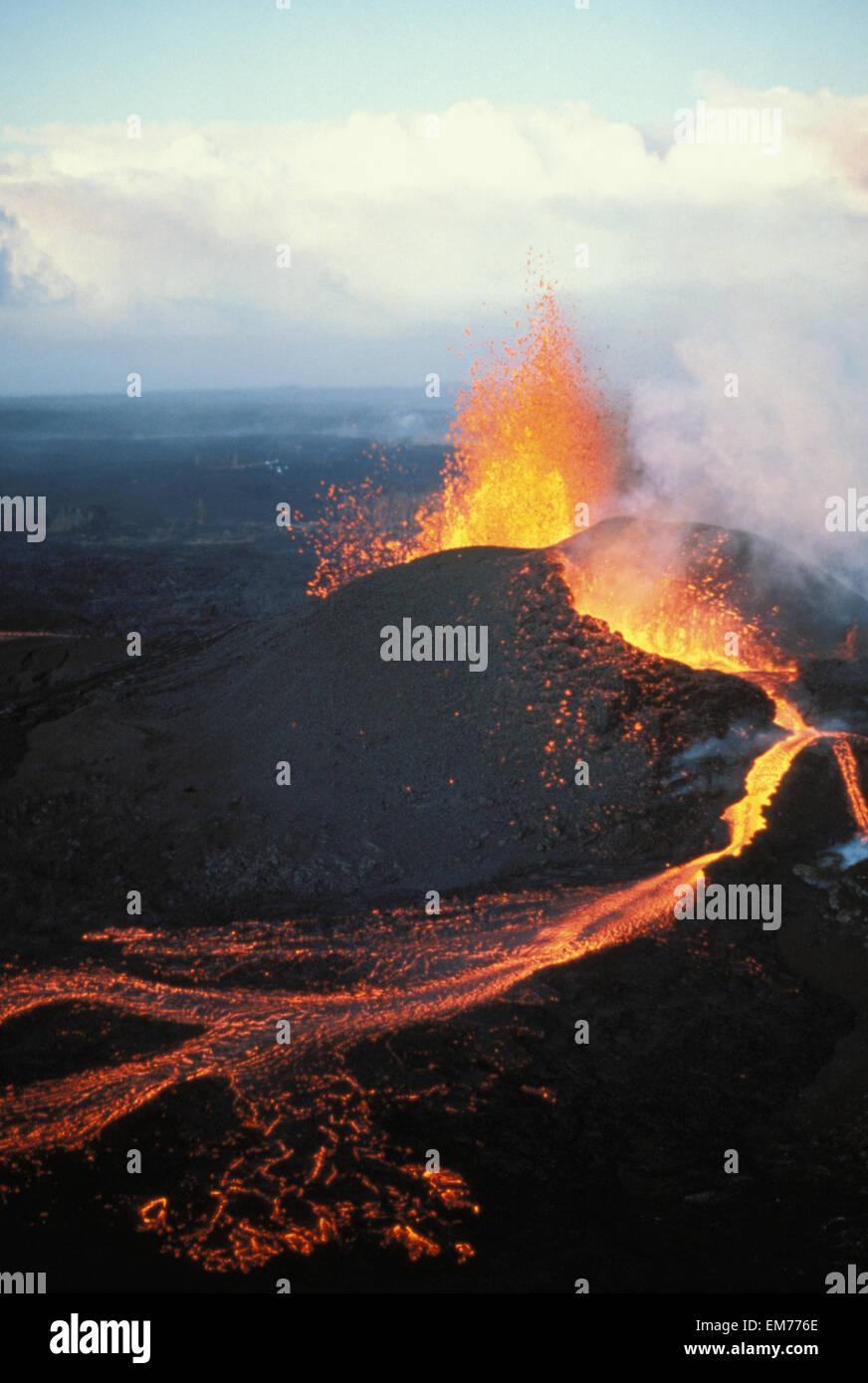 Hawaii, Big Island, Hawaii Volcanoes National Park, Kilauea, Pu'u O'o Eruption, Fountaining Action - Stock Image