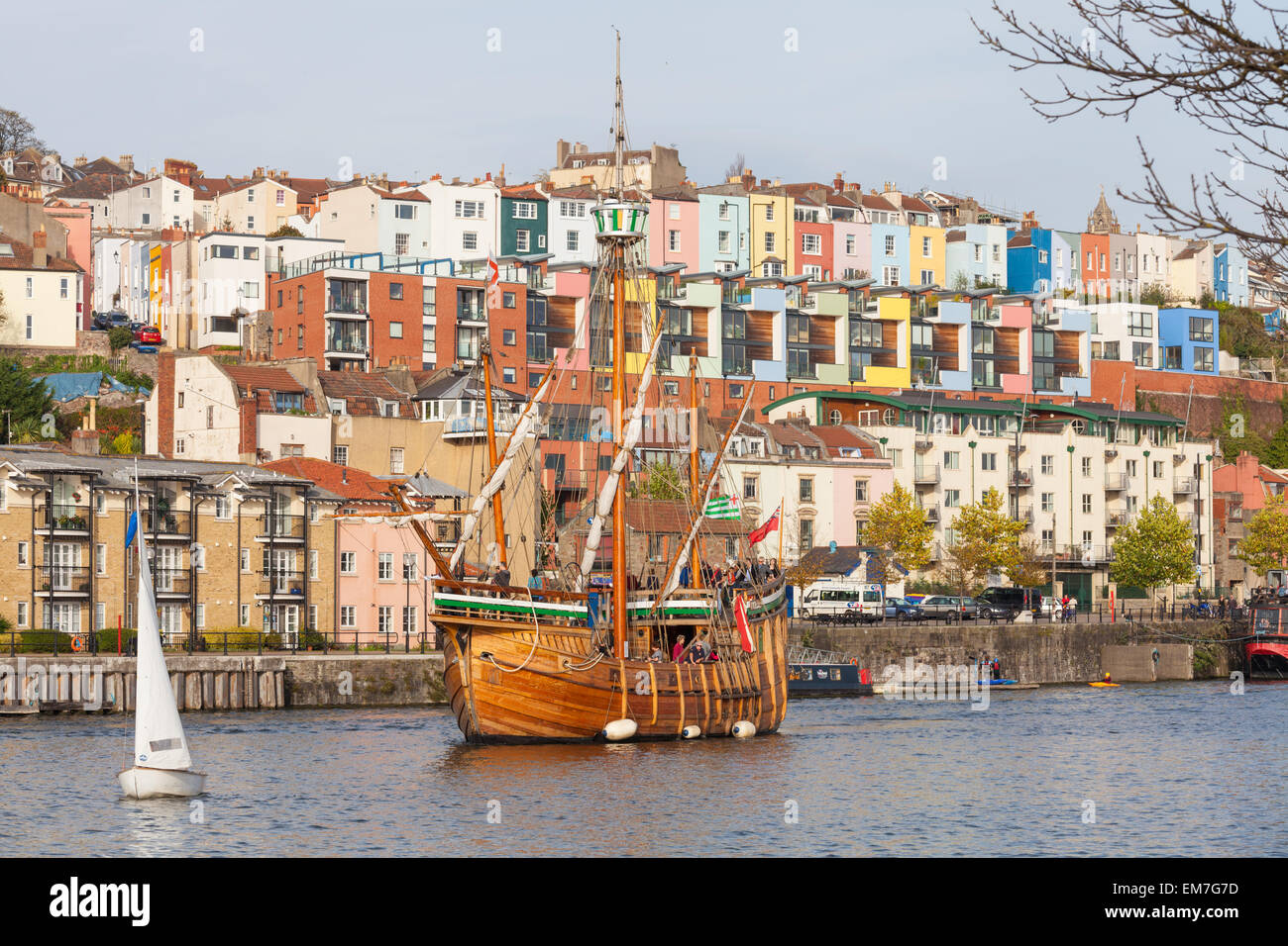 The Matthew seen sailing past the colourful houses of Hotwells in Bristol - Stock Image