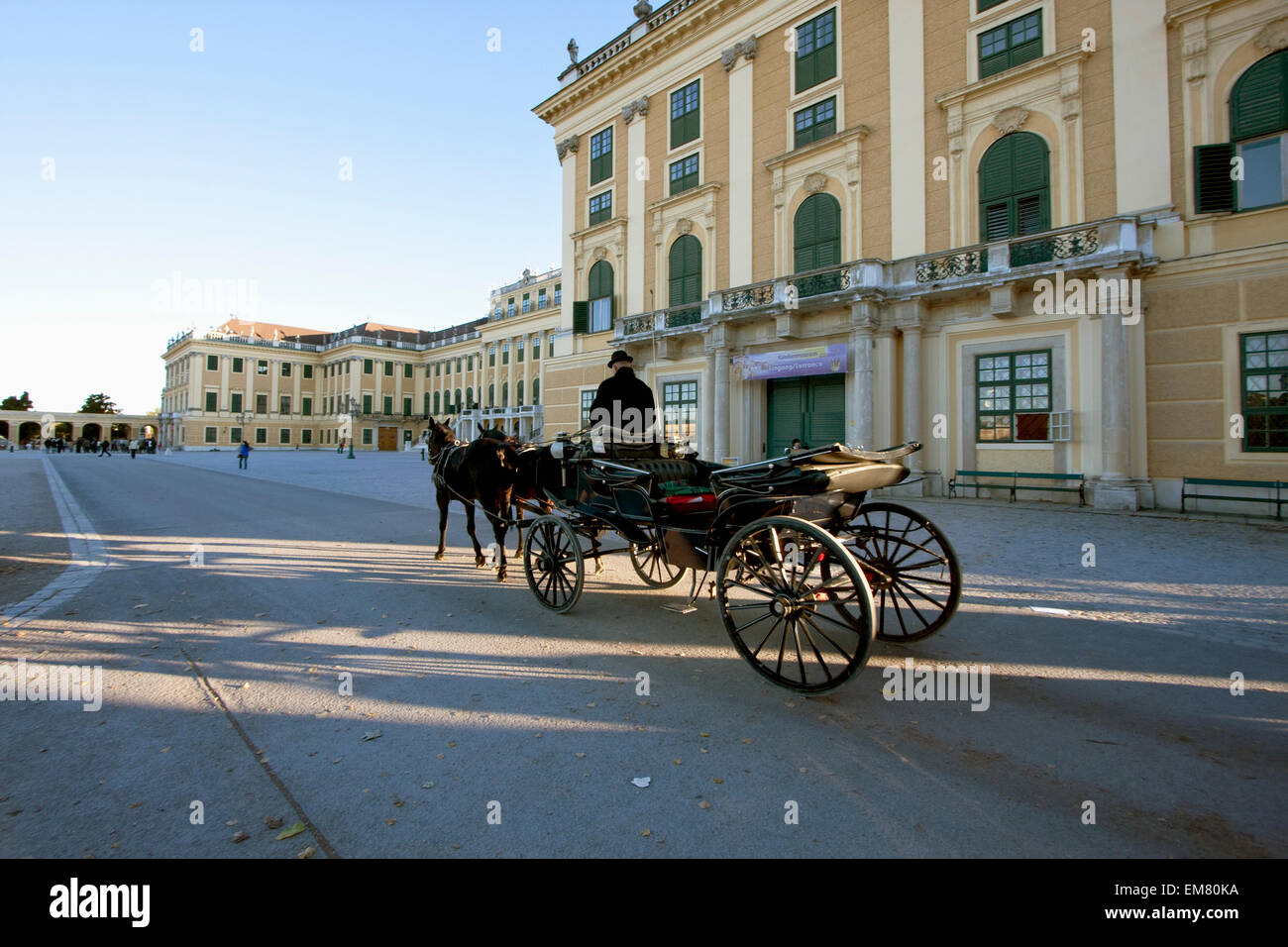 Fiaker (Viennese two-horse hackney carriage) at Schonbrunn Palace, Vienna (Wien), Austria - Stock Image