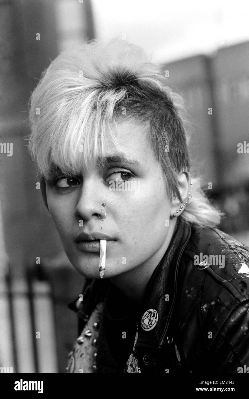 "Careers: Types: Youth Culture: Youth Speaking Feature. Punk Girl 'Wshocking"", 16, in Oxford. March 1983 83-1677 - Stock Image"