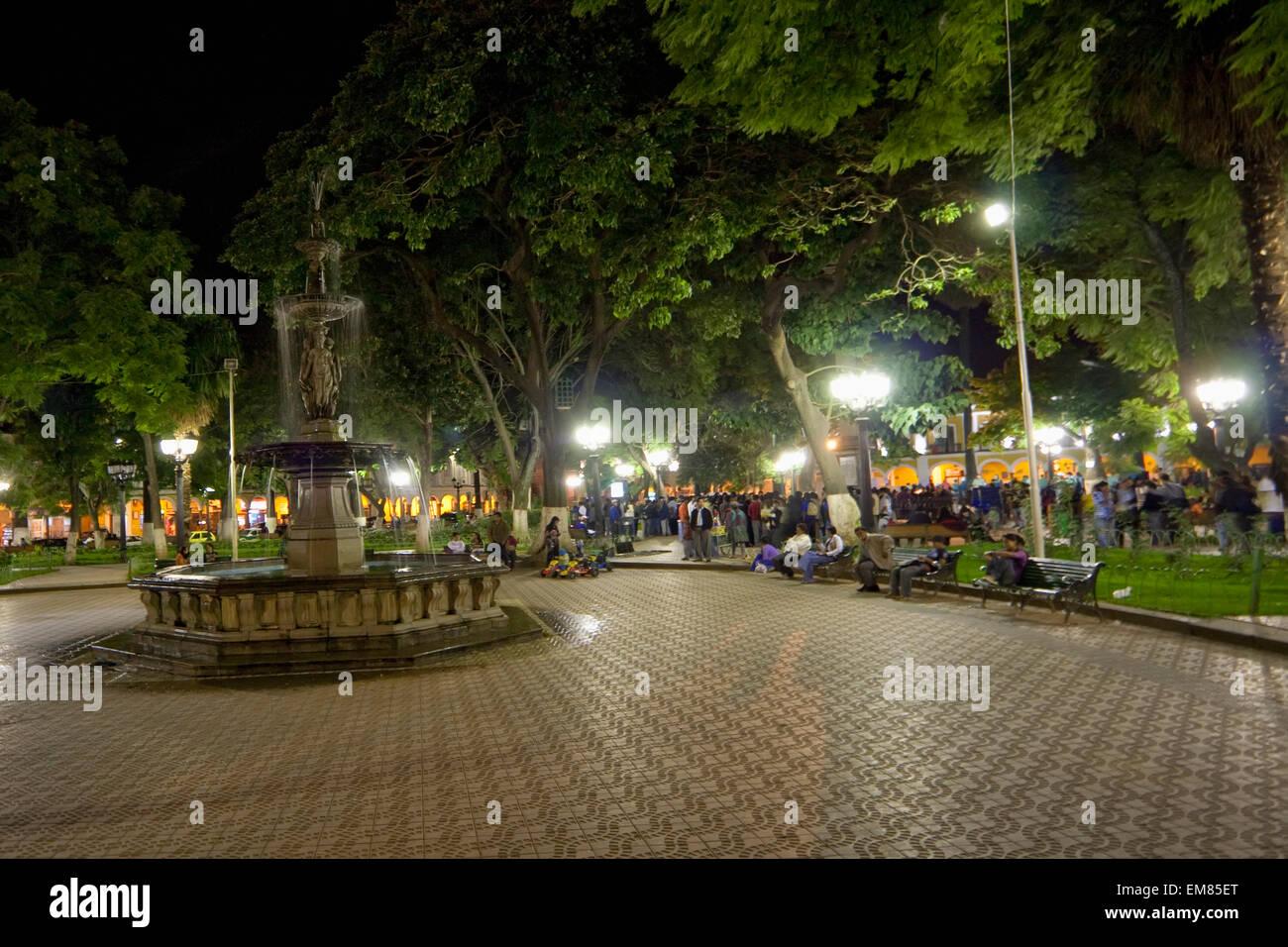 Fountain On Plaza 14 De Septiembre At Night Cochabamba Bolivia Stock Photo Alamy