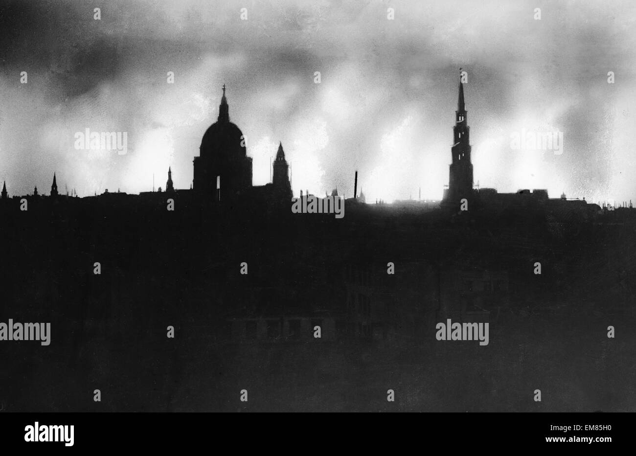 London Skyline during World War Two with Saint Pauls in the background. 29th December 1940. - Stock Image