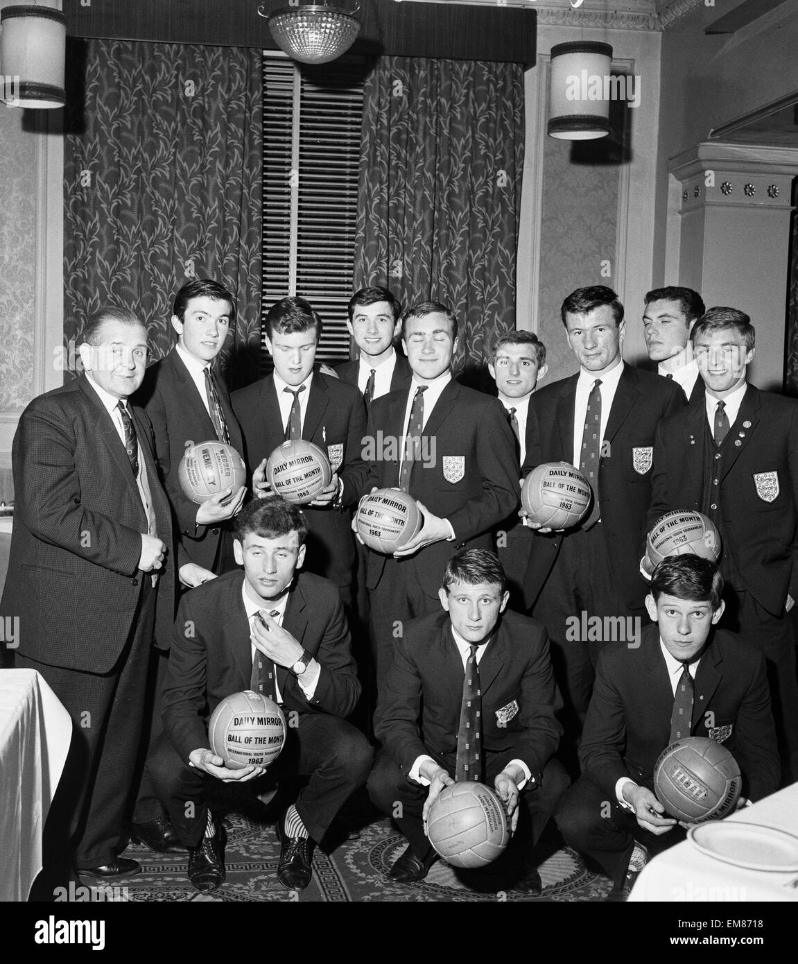 England Youth Team, Winners of the Junior World Cup, 24th April 1963. Pictured holding Daily Mirror Ball of the Stock Photo