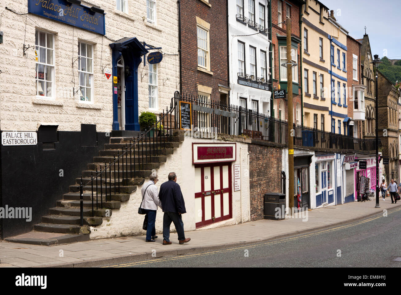 UK, England, Yorkshire, Scarborough, Eastborough, Palace Hill, high level pavement above small specialist shops - Stock Image