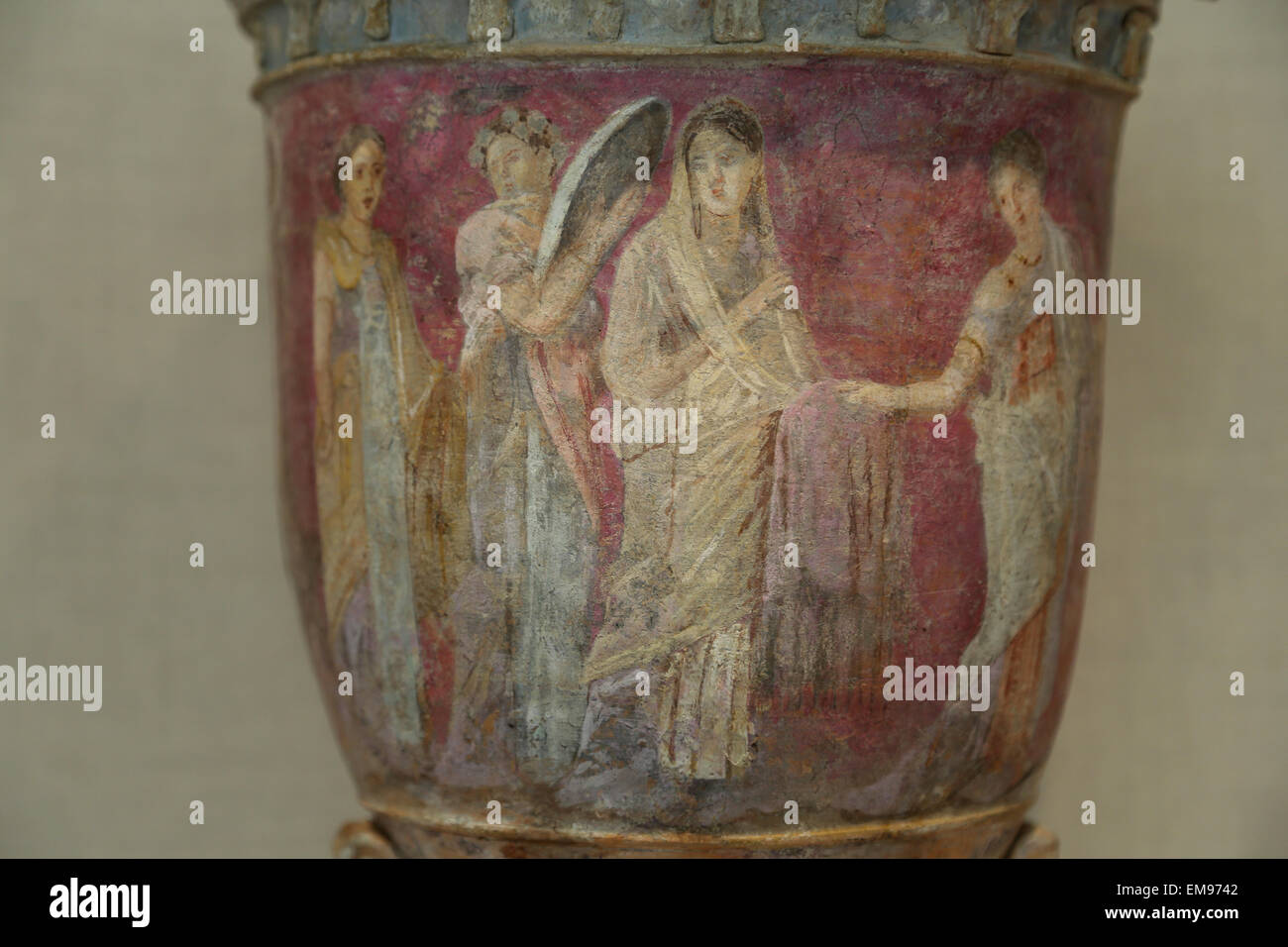 Terracotta vase. Greek, Sicilian. Centuries, 3rd-2nd century BC. Four women. The scene shows a bride surrounded - Stock Image
