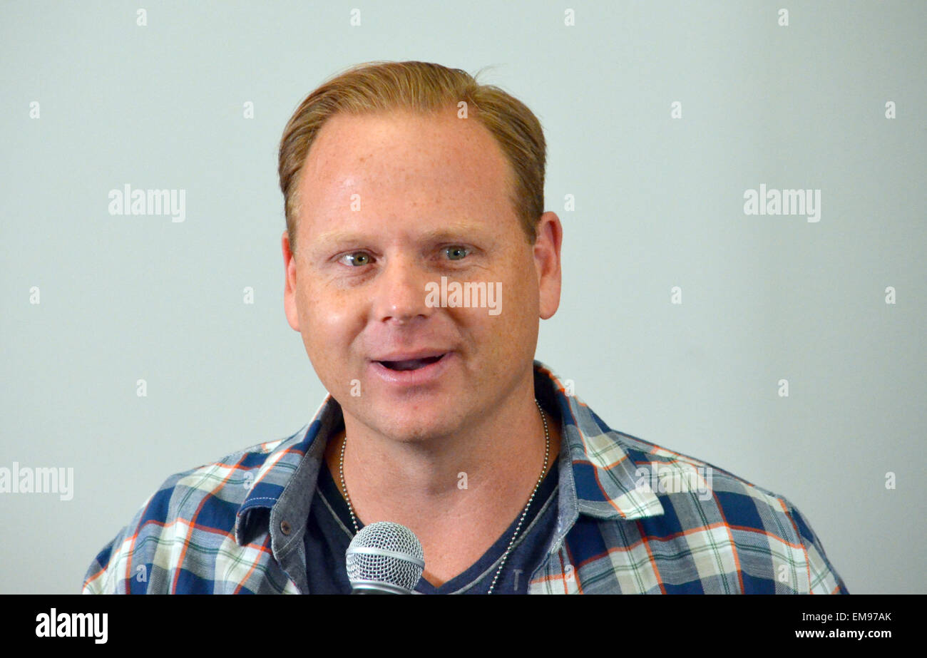 New York, US. 13th Apr, 2015. High-wire circus artist Nik Wallenda Nik Wallenda gives a press conference in New - Stock Image