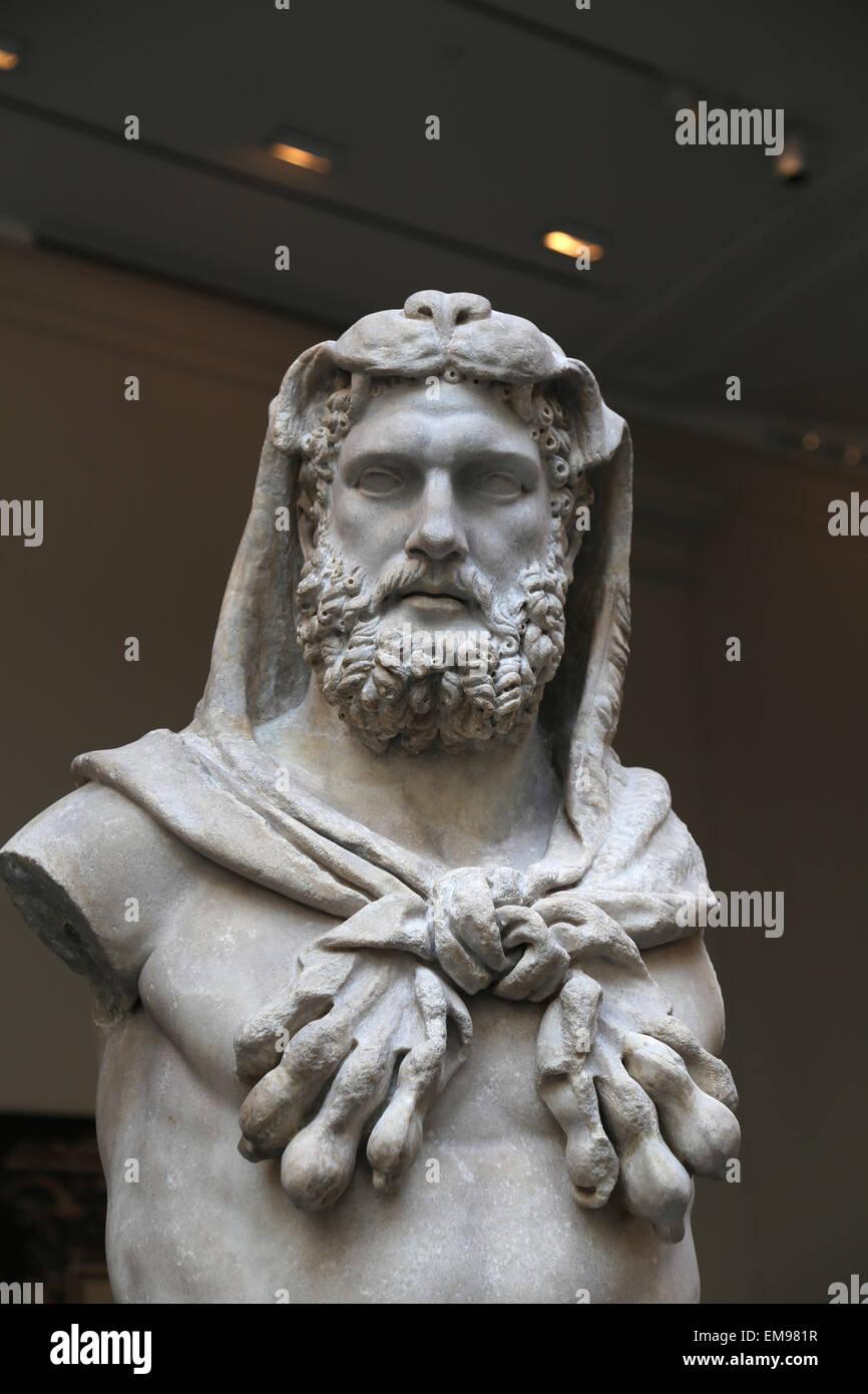 Statue of a bearded Hercules. Roman. Flavian period. 68-98 AD. Metropolian Museum of Art. NY. USA. Stock Photo