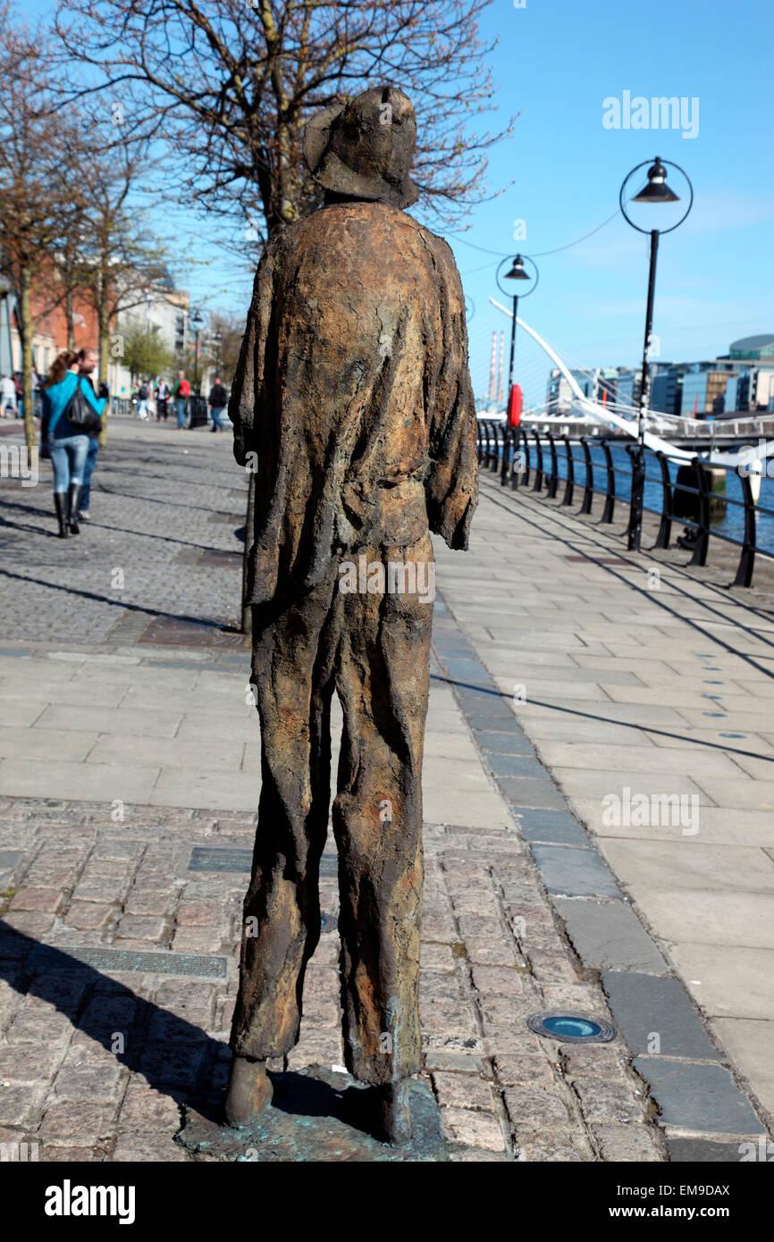 Famine Memorial by Rowan Gillespie on Customs House Quay Dublin. - Stock Image