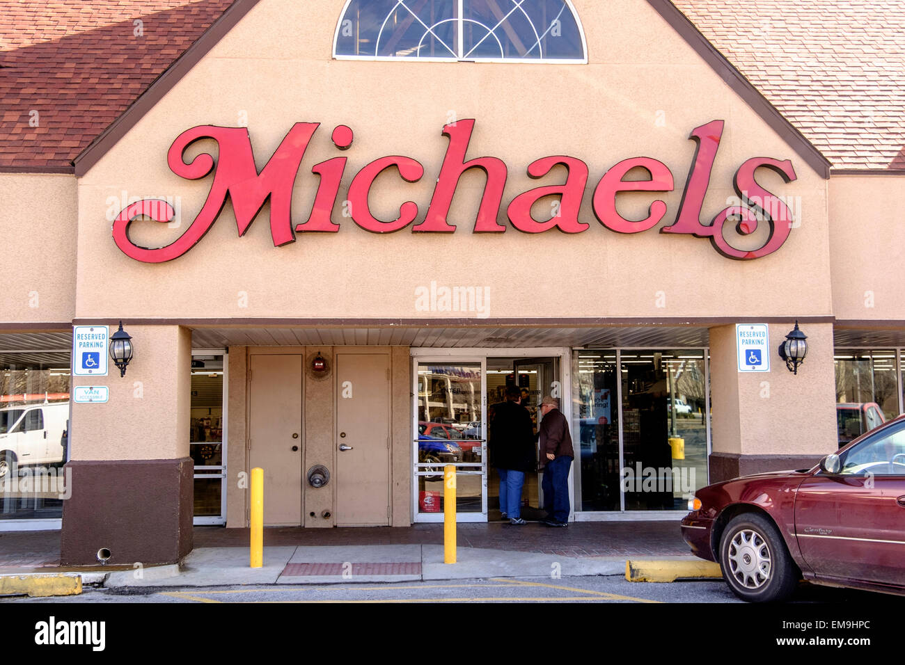 Exterior storefront of Michaels arts and crafts store in Oklahoma City, Oklahoma,  USA. - Stock Image