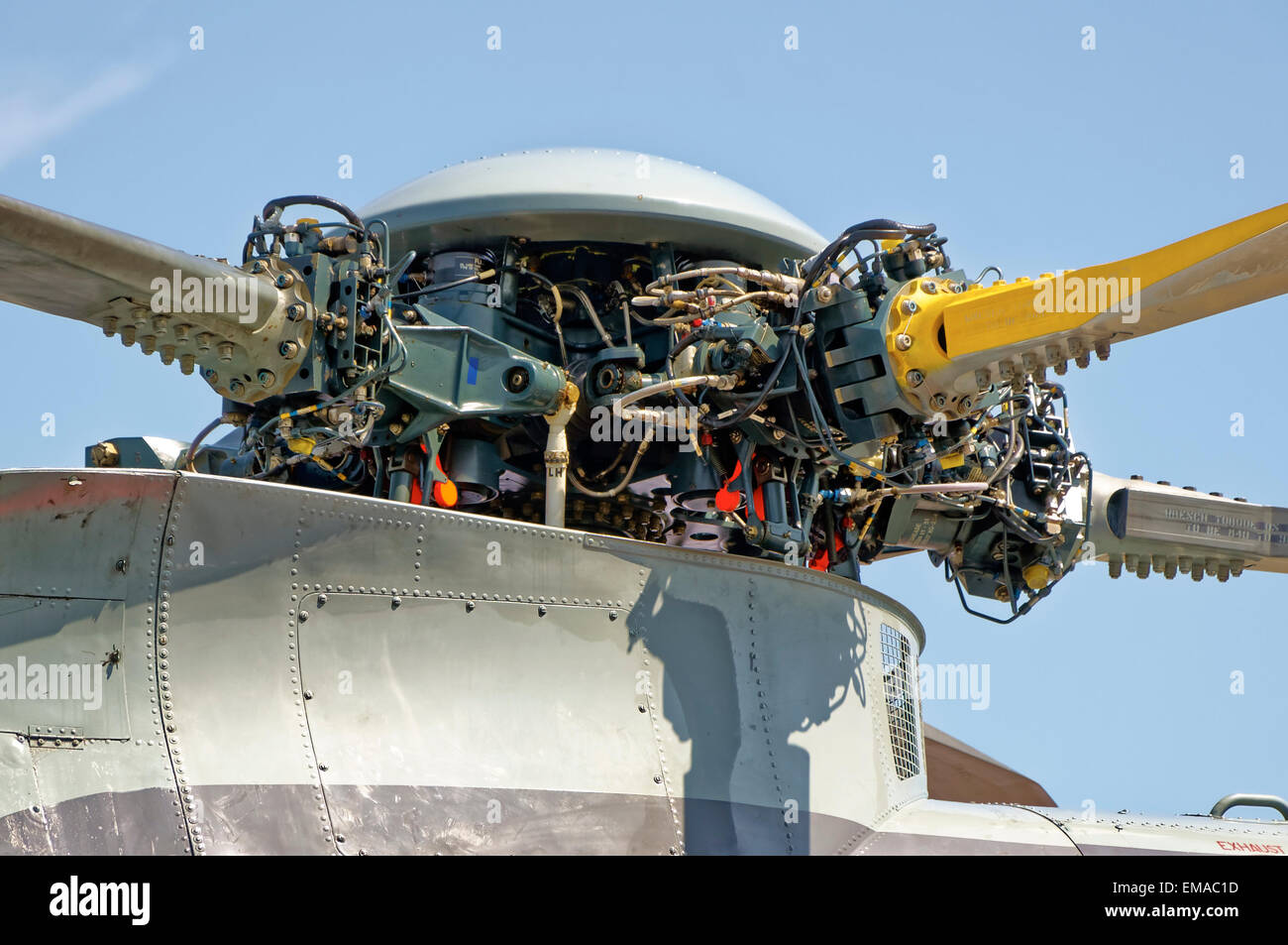Rotor head of a Royal Navy Sea King ASaC7 helicopter - Stock Image