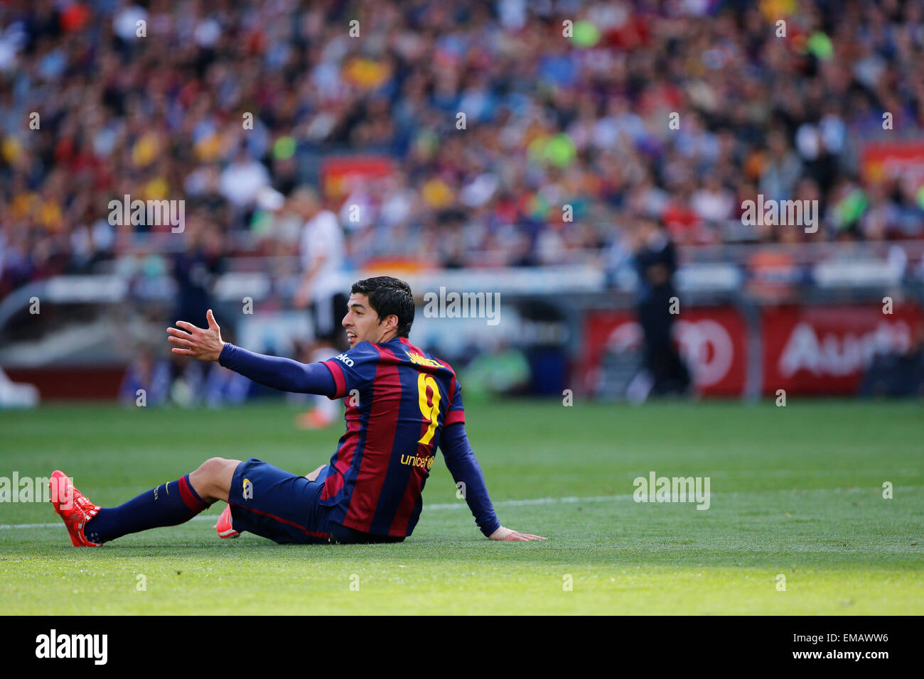 Barcelona, Spain. 18th Apr, 2015. Barcelona's Luis Suarez gestures during the Spanish first division football - Stock Image