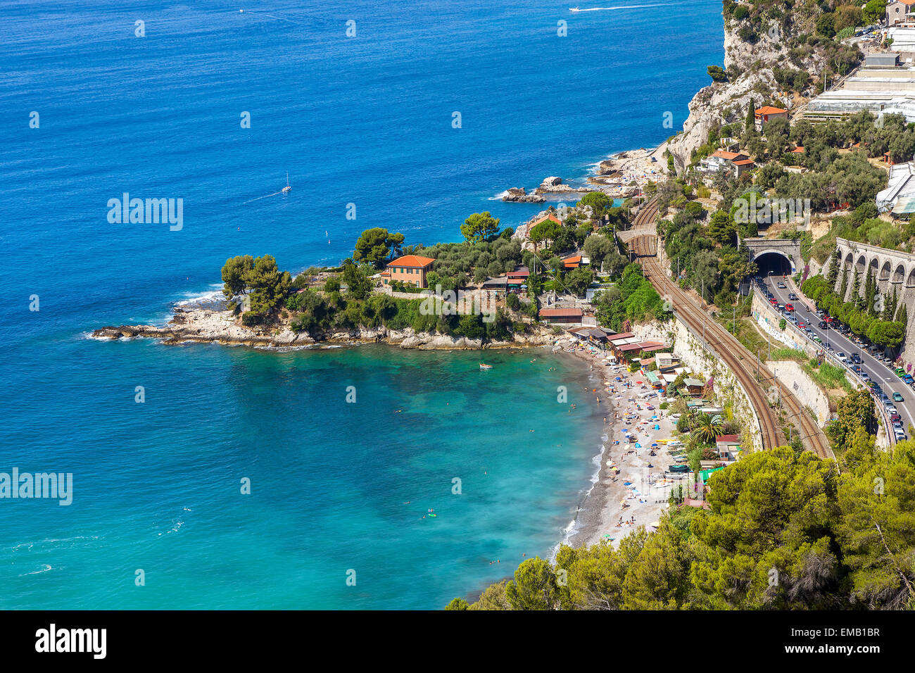 Bay and small beach on Mediterranean sea on French Riviera (view from above). - Stock Image