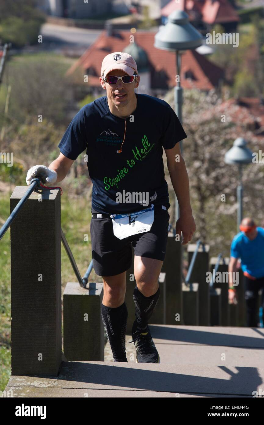 Radebeul, Germany. 19th Apr, 2015. Extreme runner Andreas Allwang (L) from Munich runs up and down a total of 397 Stock Photo