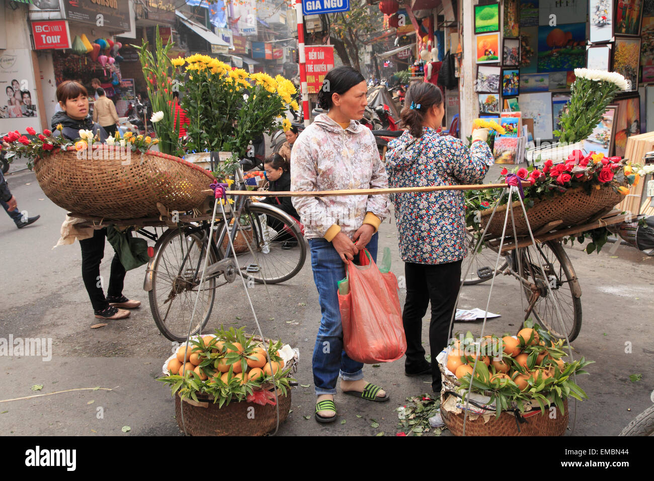 Vietnam, Hanoi, street vendors, people Stock Photo - Alamy