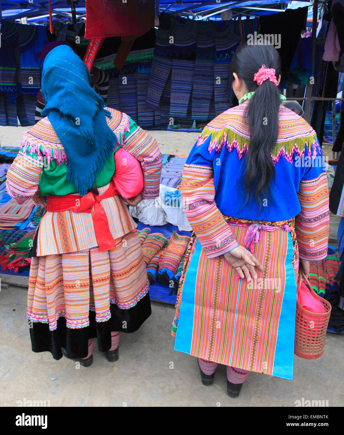 Vietnam, Lao Cai Province, Bac Ha, market, hill tribes people, women, - Stock Image