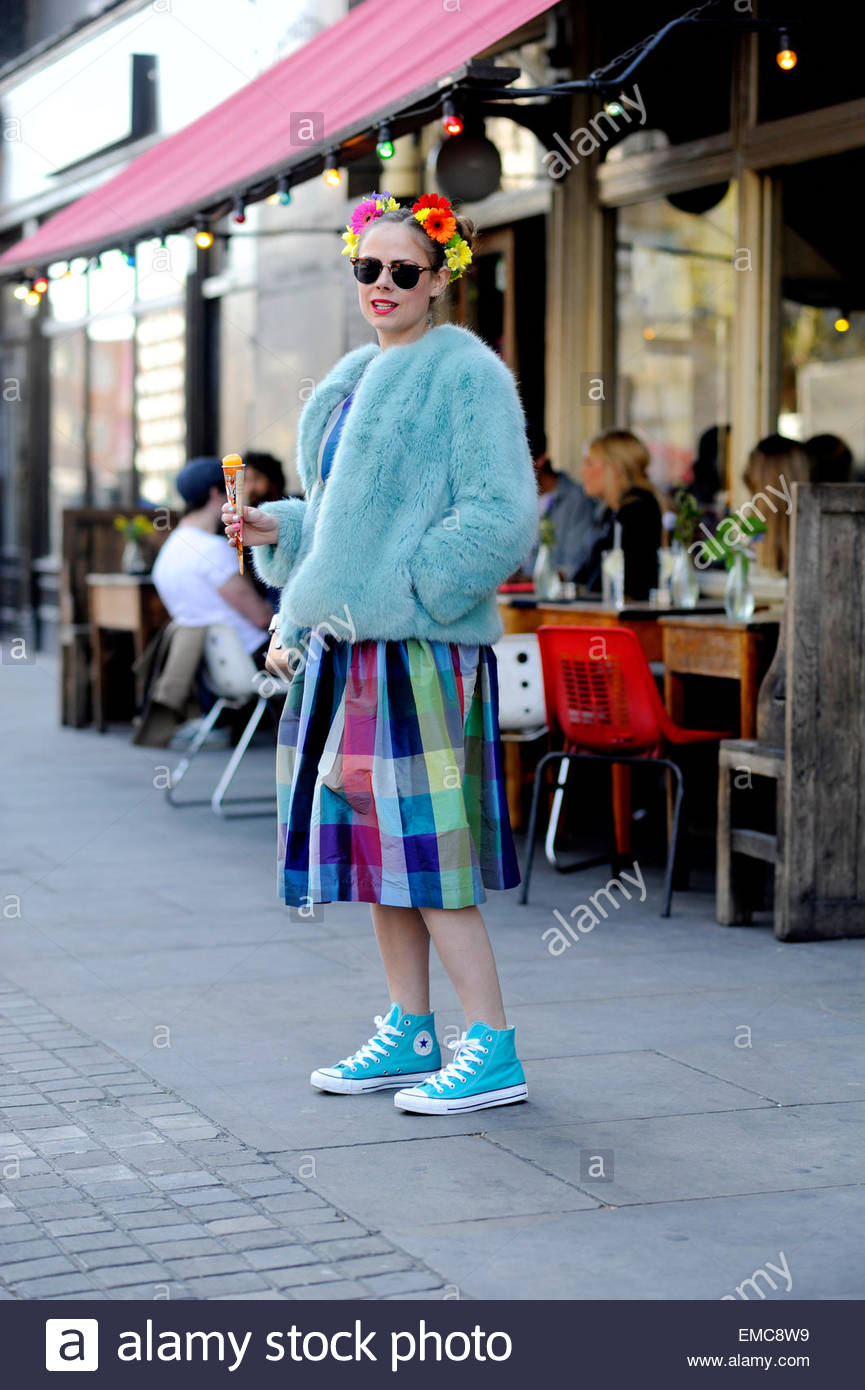 Vintage style clothes london  Vintage Style Fashion Stock Photos & Vintage Style Fashion Stock ...