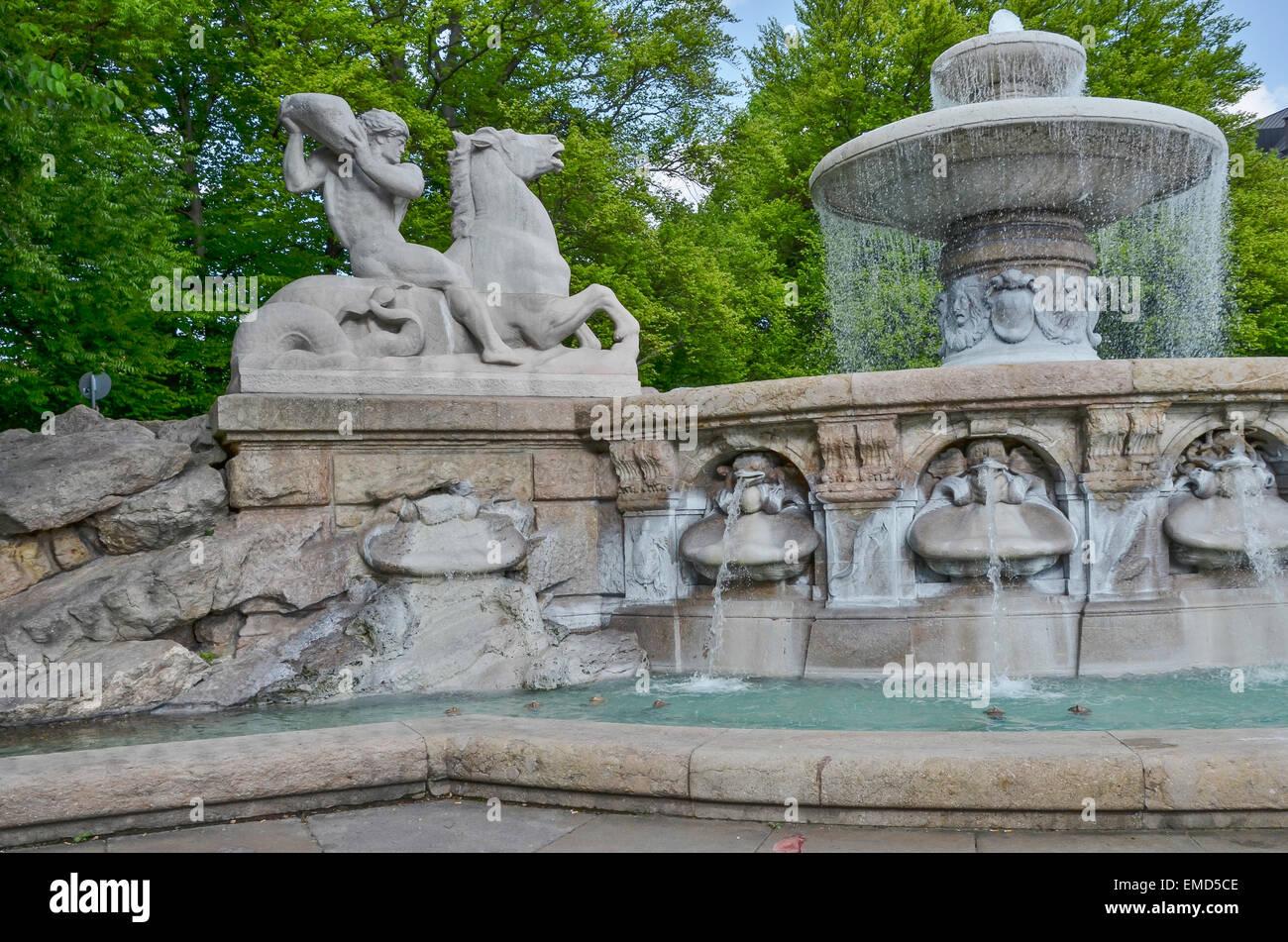 Hildebrand Stock Photos& Hildebrand Stock Images Alamy ~ 07043525_Brunnen Bohren Garten München