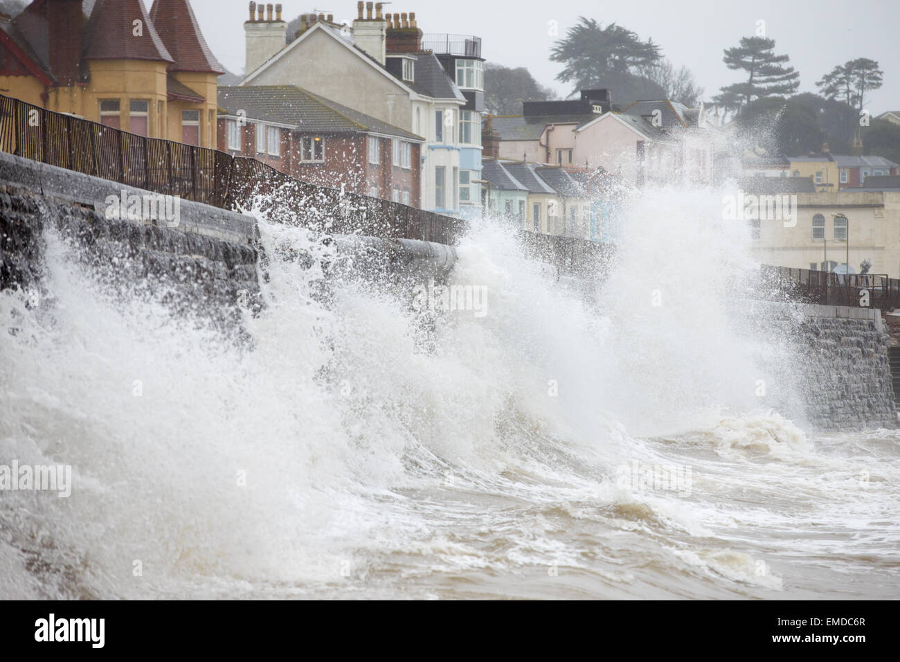 Large Waves Breaking Against Sea Wall At Dawlish In Devon - Stock Image