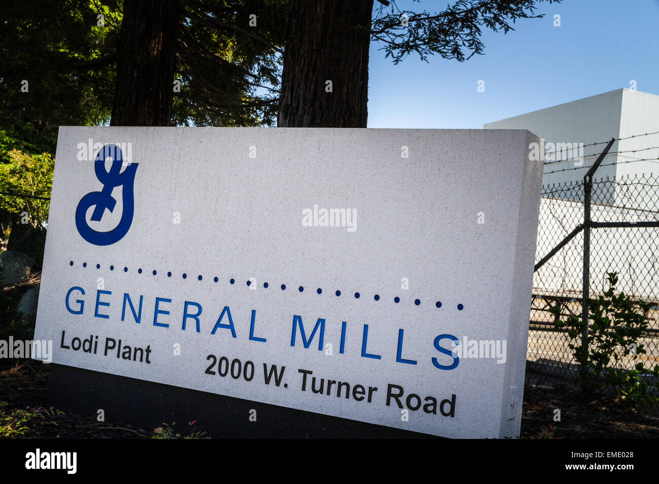 The General Mills factory in Lodi California which smells like Cheerios when you are driving by. - Stock Image