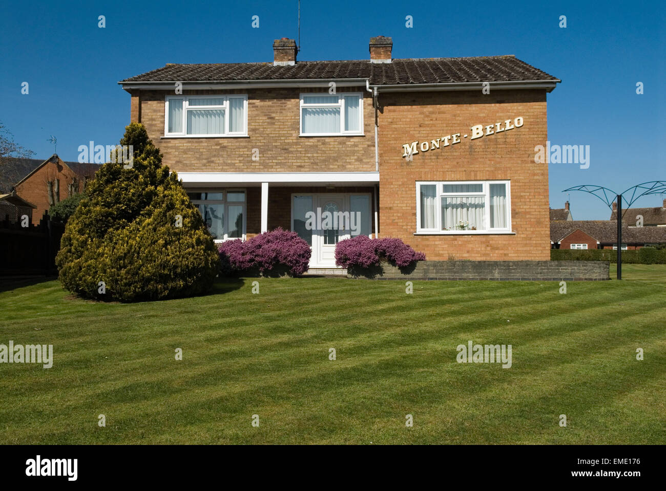Modern house Leicestershire Monte Bello translates into Italian as Beautiful Mountain and is also a city in Los - Stock Image