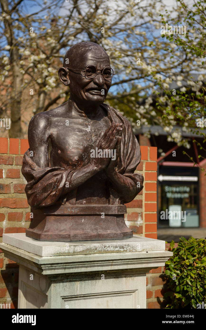 Statue of Mahatma Gandhi in the Nelson Mandela Peace Garden alongside the Streetlife Transport Museum in Hull city - Stock Image