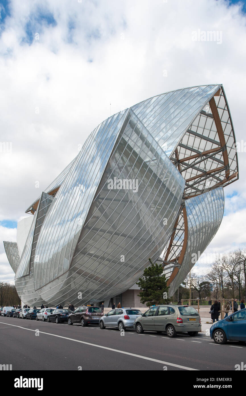 France, Paris, full height view of the Fondation Louis Vuitton Stock Photo