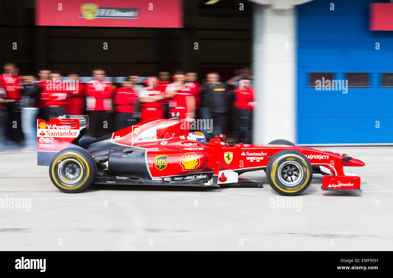 ISTANBUL, TURKEY   OCTOBER 26, 2014: Pit Stop Of Formula 1 Car In