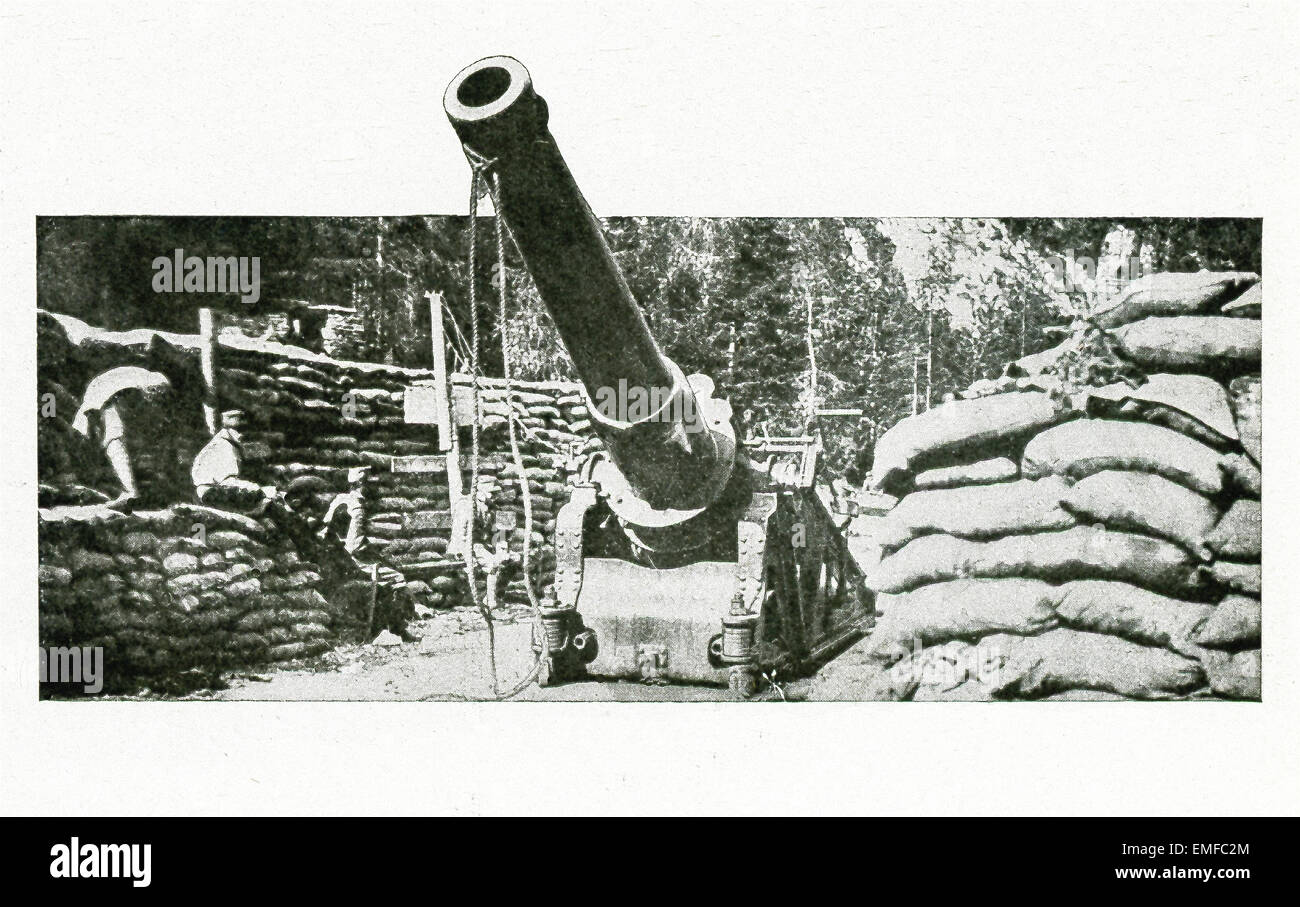 This Italian siege gun was one of those used to batter down Austrian concrete trenches during World War I. - Stock Image