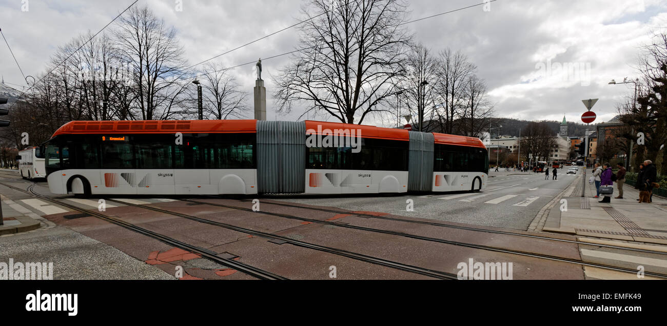 24 meter long articulated, with 2 pivoting joints, city bus now on route in the city center of Bergen, Norway - Stock Image