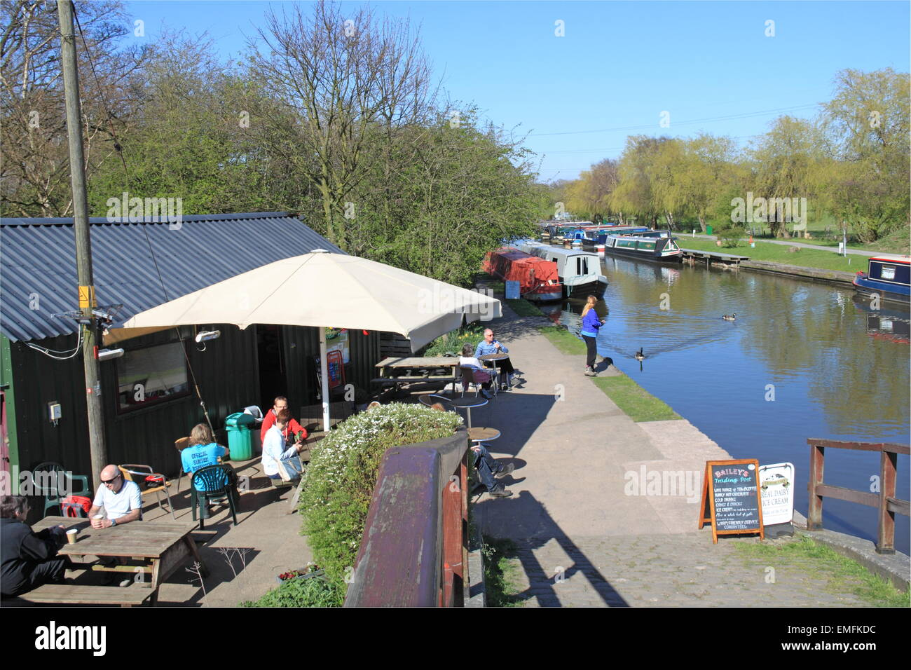 Bailey's Trading Post, Macclesfield Canal, Higher Poynton, Stockport, Cheshire, England, Great Britain, United - Stock Image
