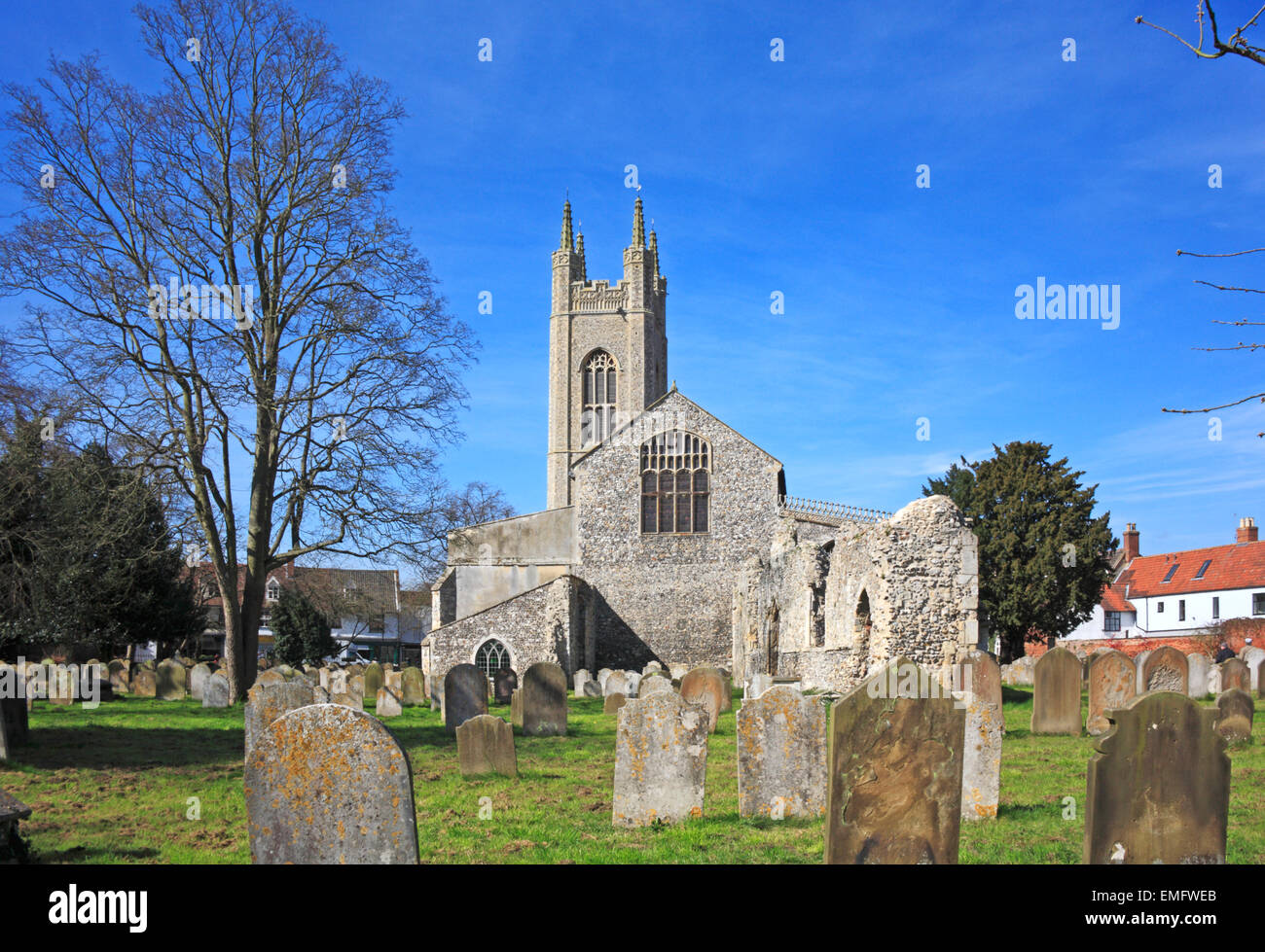A view of the Priory church of St Mary with monastic ruins at Bungay, Suffolk, England, United Kingdom. - Stock Image