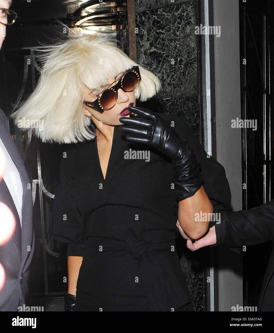 04.NOVEMBER.2010 LONDON  LADY GAGA LEAVING HER LONDON HOTEL TO HEAD TO ABBEY ROAD RECORDING STUDIOS IN ST JOHNS Stock Photo