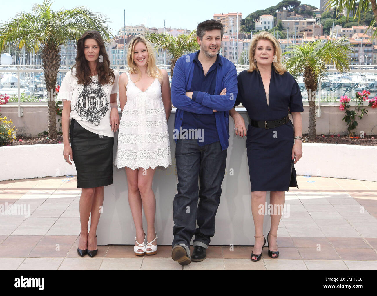 MAY.2011 CANNES CHIARA MASTROIANNI, LUDIVINE SAGNIER, CHRISTOPHE HONORE AND  CATHERINE DENEUVE AT THE PHOTOCALL FOR THE FILM LES BIEN AIMES AT THE 64TH  ...