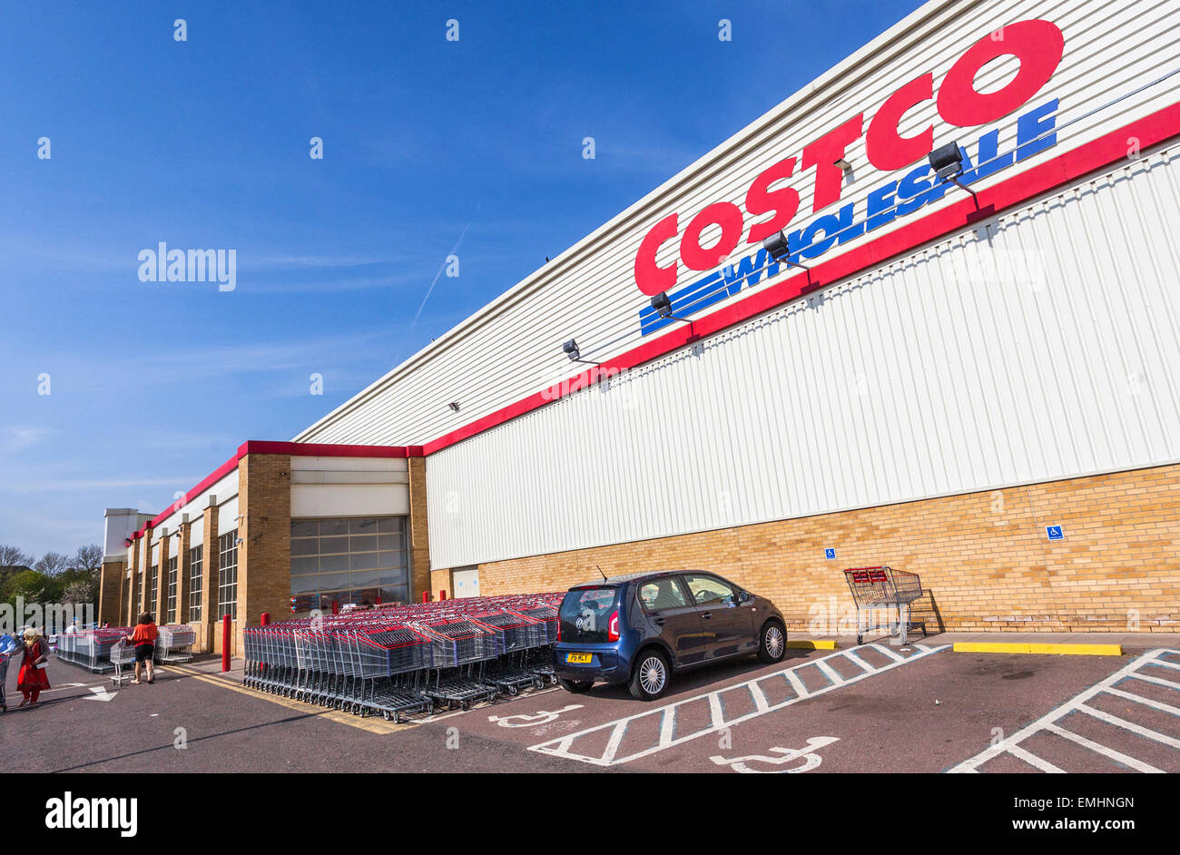 Costco is an membership-only warehouse club that provides a wide selection of merchandise, from electronics and clothing to fresh produce and auto care, plus specialty departments and member services including optical, pharmacy, photo center, travel, tire center, and gas station/5(K).