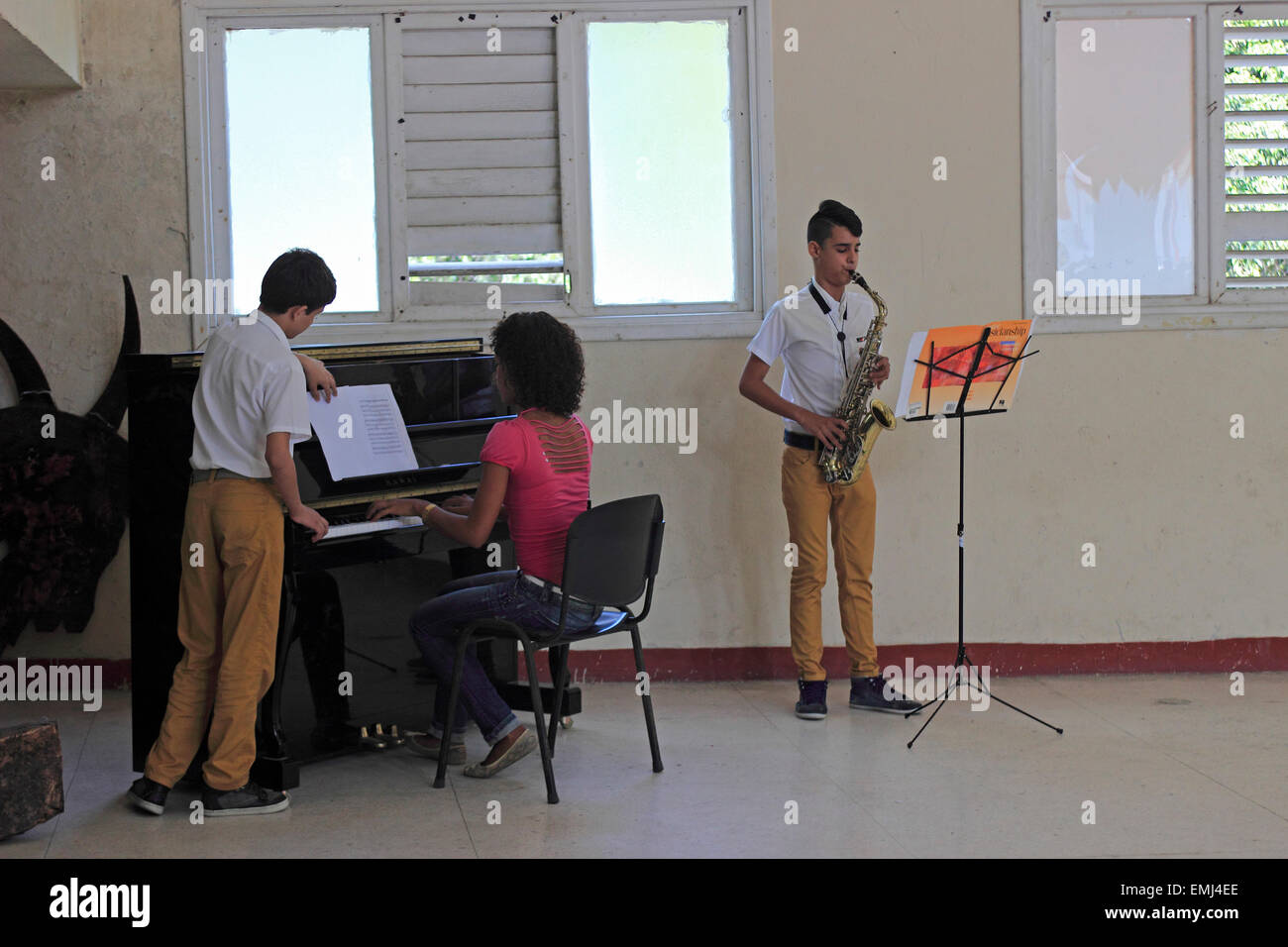 Music Students Boy and girl Benny More School of the Arts Cienfuegos Cuba - Stock Image