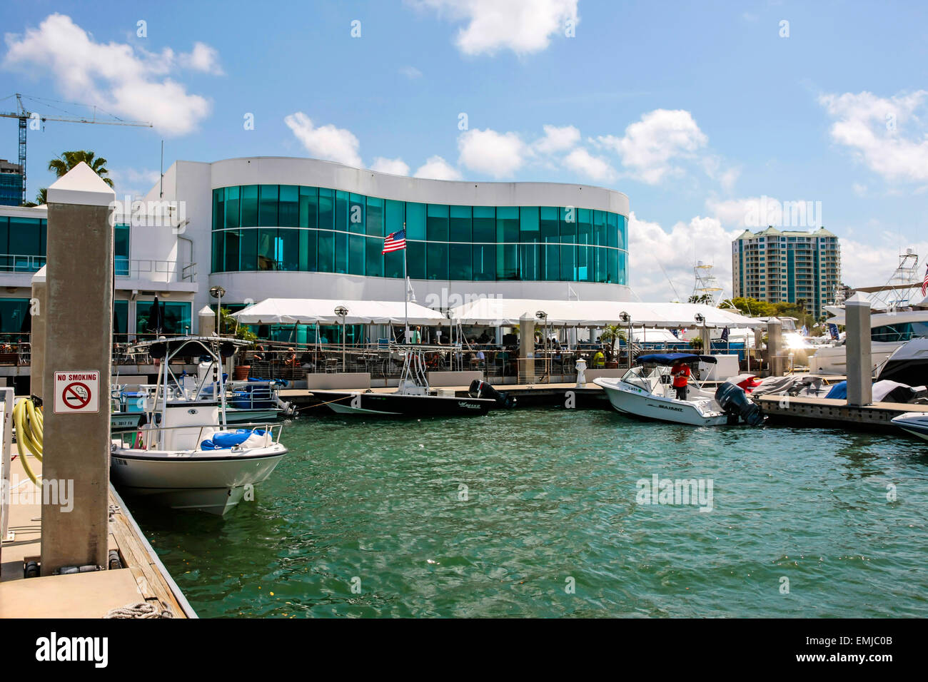 Sarasota Yacht Club >> Marina Jack Restaurant And Sarasota Yacht Club On The Waterfront Of