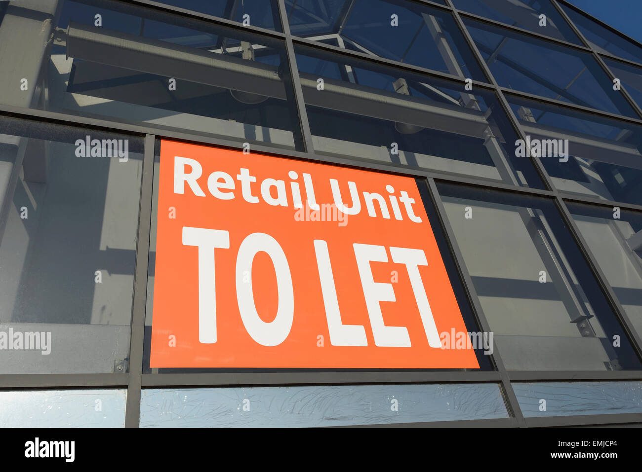 Retail unit to let sign - Stock Image